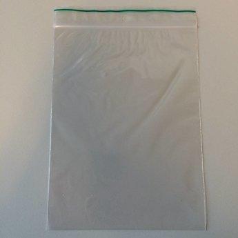 Gripzakjes 150x200 mm  dikte 50 micron per verpakking van 100 stuks. Voorzien van ophangoogje.