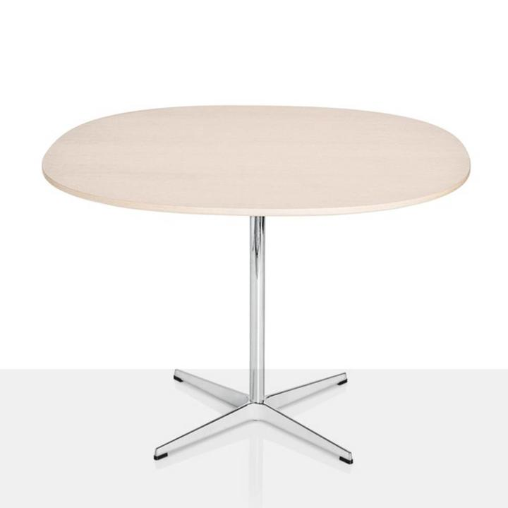 Fritz Hansen Table Series | Supercircular | Kreuzfuß