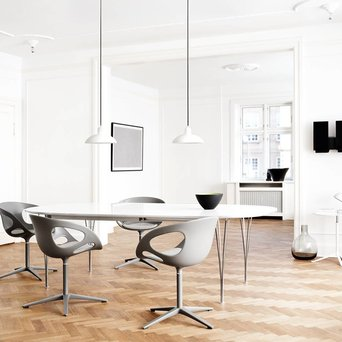 Fritz Hansen Fritz Hansen Table Series | Super-Elliptical