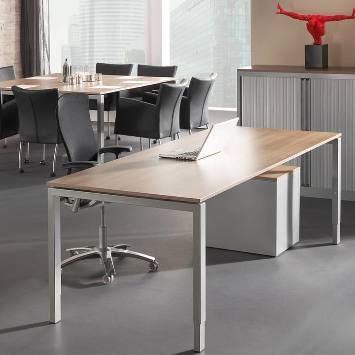 Bisley Quattro | Desk | Height adjustable