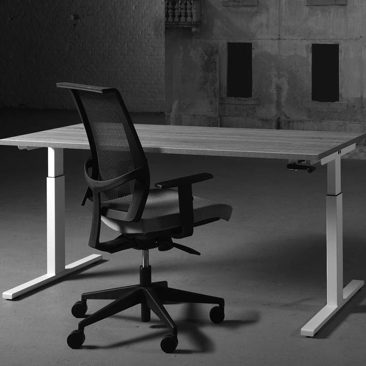 Bisley Tetra | Sit-to-stand desk | Height adjustable