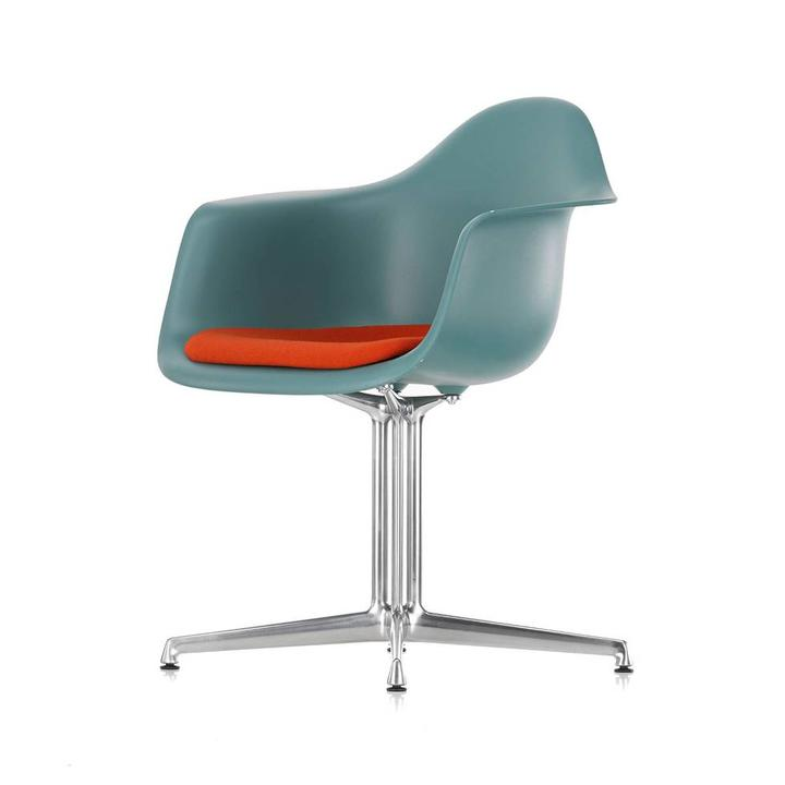 Vitra Eames Plastic Armchair DAL | Seat upholstery