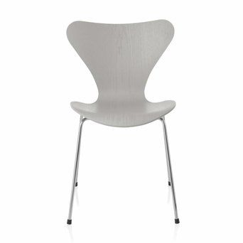 Fritz Hansen Series 7 | 3107 | Coloured ash