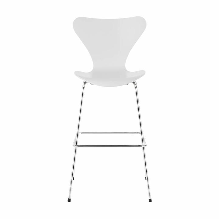 Fritz Hansen Series 7 | 3197 Bar stool | Lacquered