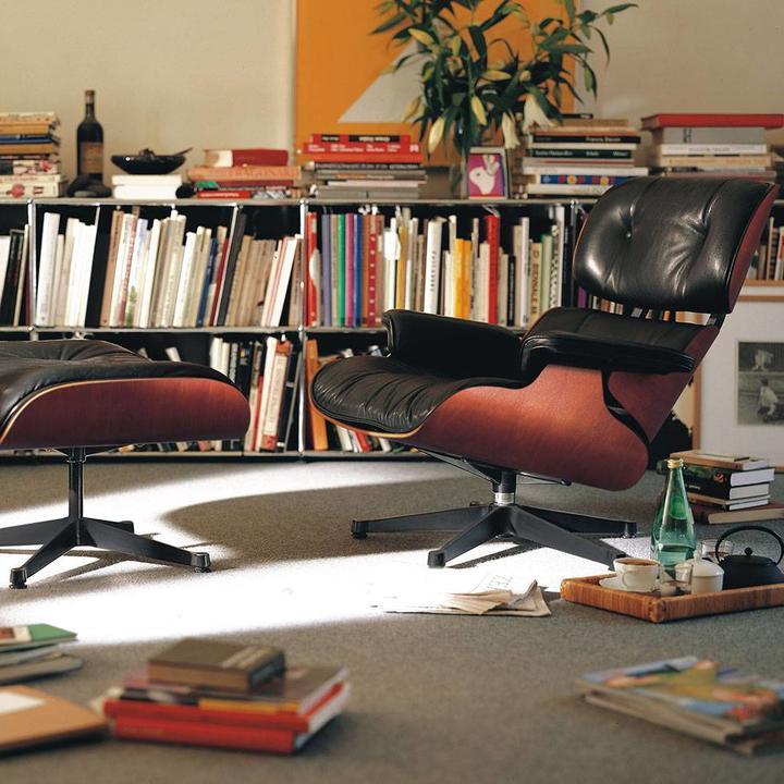 Vitra Lounge Chair & Ottoman   Kersenhout
