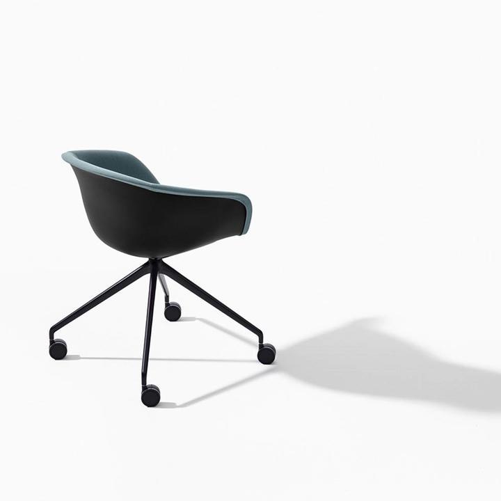 Stupendous Arper Duna 02 Cross Base Castors Machost Co Dining Chair Design Ideas Machostcouk