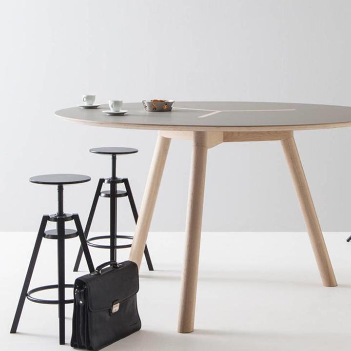 Creafort ROR | Round standing table