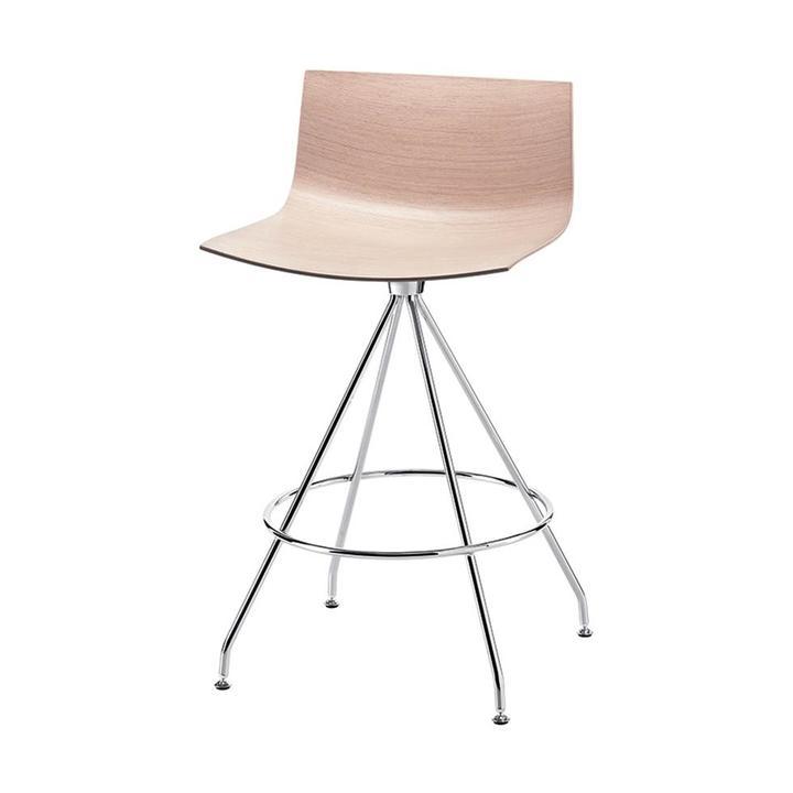 Arper Catifa 46 | Bar stool | Cross base | Wooden seat shell