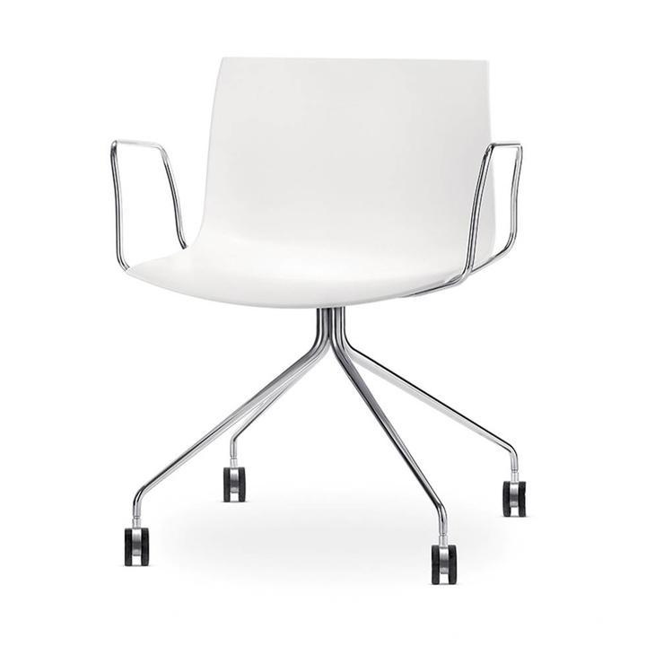 Arper Catifa 53 | Cross base with castors | Chrome | Plastic seat shell