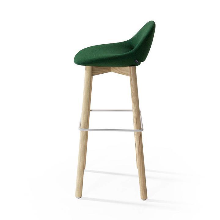 Artifort Beso | Bar stool | Four-legged wood