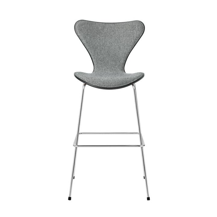 Fritz Hansen Series 7 | 3187 | Counter stool | Front upholstery | Coloured ash