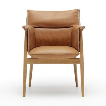 Carl Hansen & Son Carl Hansen & Son E005 | Embrace Armchair