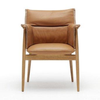 Carl Hansen & Son E005 | Embrace Armchair