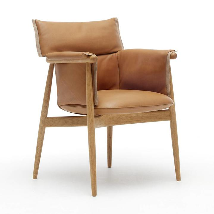 Carl Hansen & Son E005 | Embrace Armchair