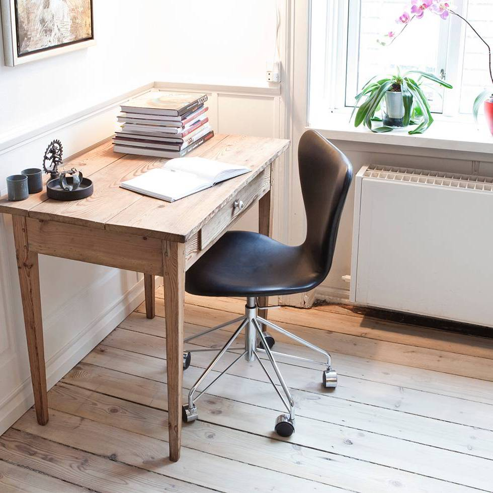 Arne Jacobsen Egg Chair Tweedehands.Fritz Hansen Fritz Hansen Series 7 3117 Full Upholstery