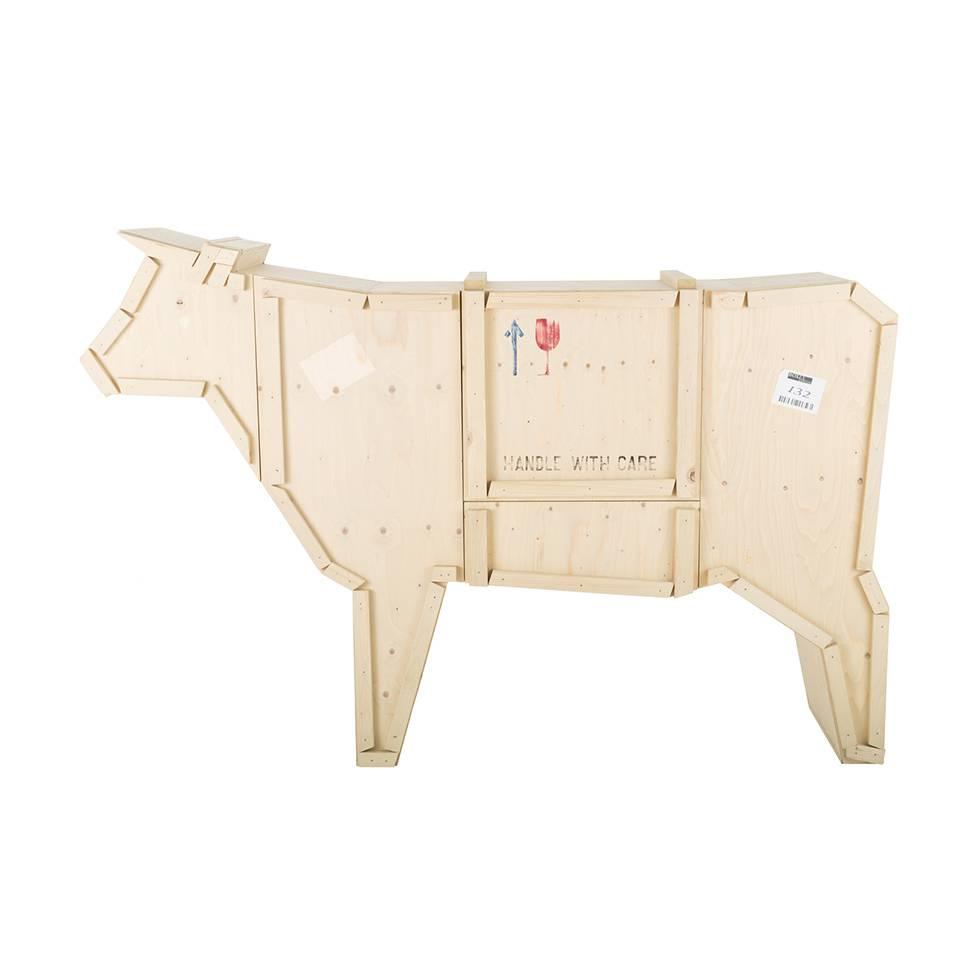 Seletti sending animals cow