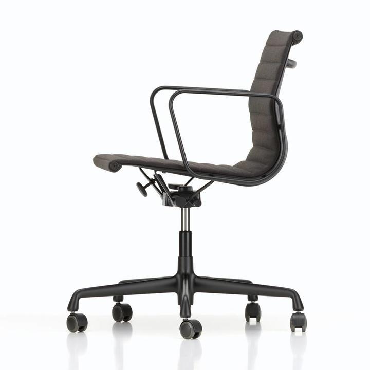 Vitra Eames Bureaustoel Ea117.Vitra Aluminium Chairs Ea 117 Ea 118 Ea 119 Bureaustoelen