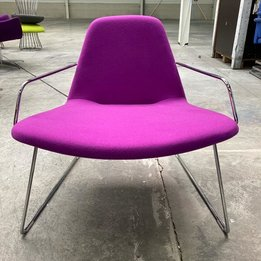 Hitch Mylius RWC | Hitch Mylius HM59 Wing fauteuil | Paarse stoffering | Chroom frame