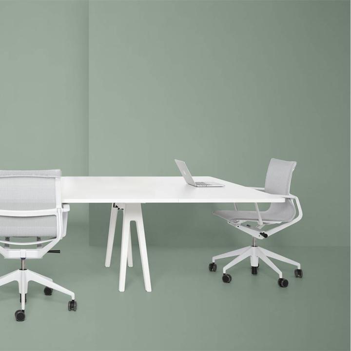 Refurbished Vitra Joyn Conference table | W 260 cm
