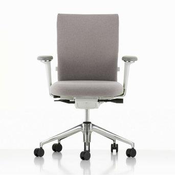 Vitra Refurbished Vitra ID Soft | Lichtgrijs | Soft grey | Gepolijst aluminium | 3D armleuningen