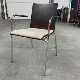 Thonet RWC | Thonet S 160 SPF Chair | Donkerbruine zitschaal | Beige zitkussen | Chroom frame