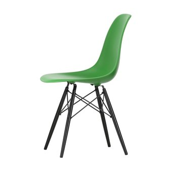 Vitra OUTLET | Vitra Eames Plastic Side Chair DSW | Classic green | Black maple