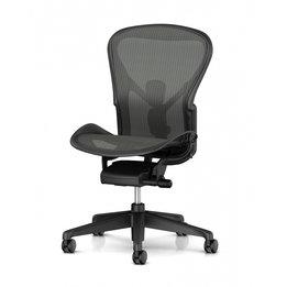 Herman Miller OUTLET   Herman Miller Aeron Chair Remastered B   Graphite   Tilt limiter   Lumbar   Zonder armleuningen