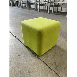 Steelcase RWC   Steelcase vierkante poef   Groen gestoffeerd   B 42 x D 42 x H 40 cm