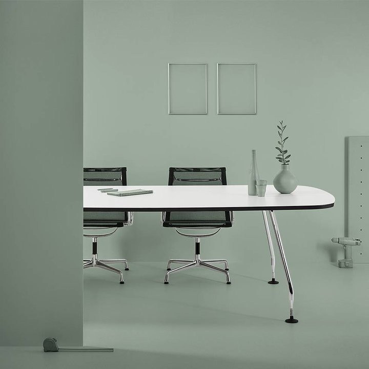 Refurbished Vitra Ad Hoc vergadertafel