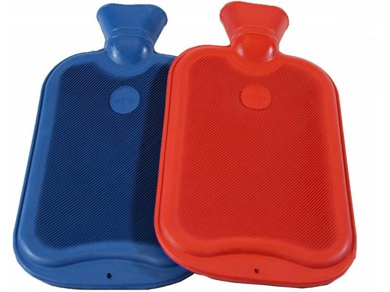 487d402d810 Warmwaterkruik 2 Liter verschillende kleuren Warmwaterkruik 2 Liter  verschillende kleuren ...