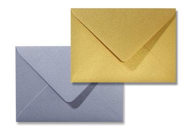 Blanco metallic enveloppen