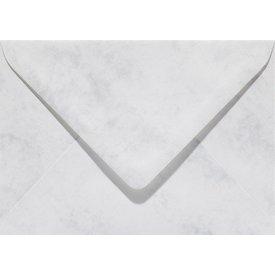 Bedrukte marmer envelop 140 x 140 mm Grijswit