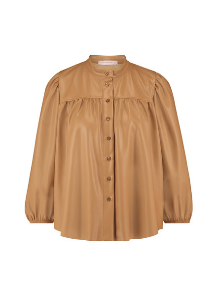 Studio Anneloes Abby Faux Leather Blouse Camel