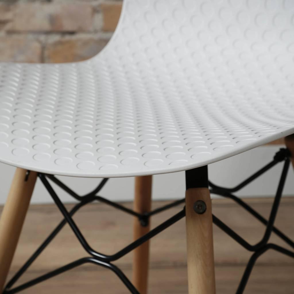 Duverger Studs - eetkamerstoelen - set van 4 - witte polypropyleen zitting - beuken pootjes - metalen spider frame