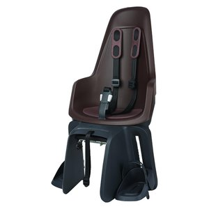 Bobike Maxi One Coffee Brown drager bev Achterstoeltje