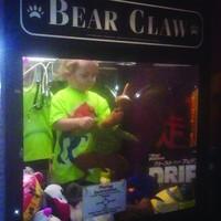 Jongetje vast in knuffelautomaat