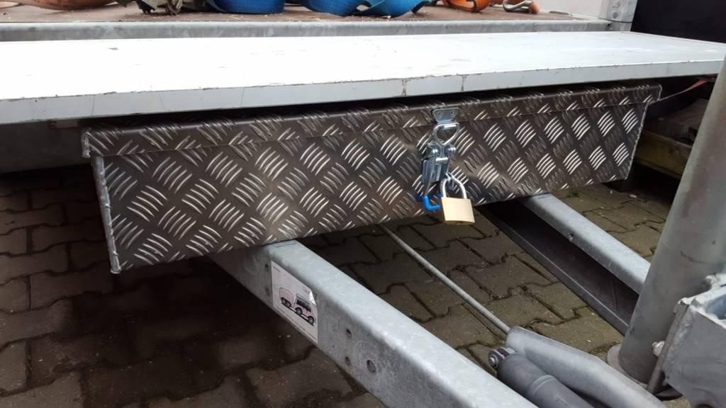 alluminium traanplaat disselkist disselbak onder voorbord monteren zodat het bord open kan gaan en de kist kan blijven zitten