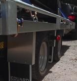 Eduard Geremde Eduard autotransporter - 406x200 cm - 2700 kg bruto laadvermogen - 63 cm laadvloerhoogte - 10 cm reling - inclusief lier en oprijplaten