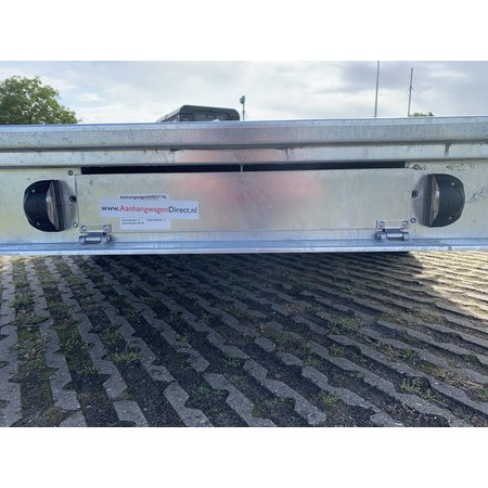 Eduard Geremde Eduard autotransporter - 406x200 cm - 3000 kg bruto laadvermogen - 56 cm laadvloerhoogte - 10 cm reling - inclusief lier en oprijplaten
