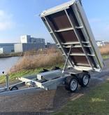 Eduard Achterwaartse kipper 310x160 cm - 2000 kg - elektrisch met afstandsbediening - voorzien van 40 cm borden en oprijplaten