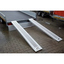 Set oprijplaten - ALU - 2700 kg (250x30x8,5 cm)