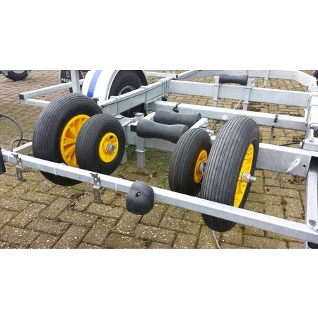 AWD 3.00-4 4PR Boeggeleiding Pega bootrailer