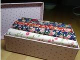 cadeaudoosje met stof in bij elkaar passende rozenstofjes