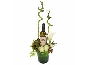 Wijnarrangement in pot met wijn
