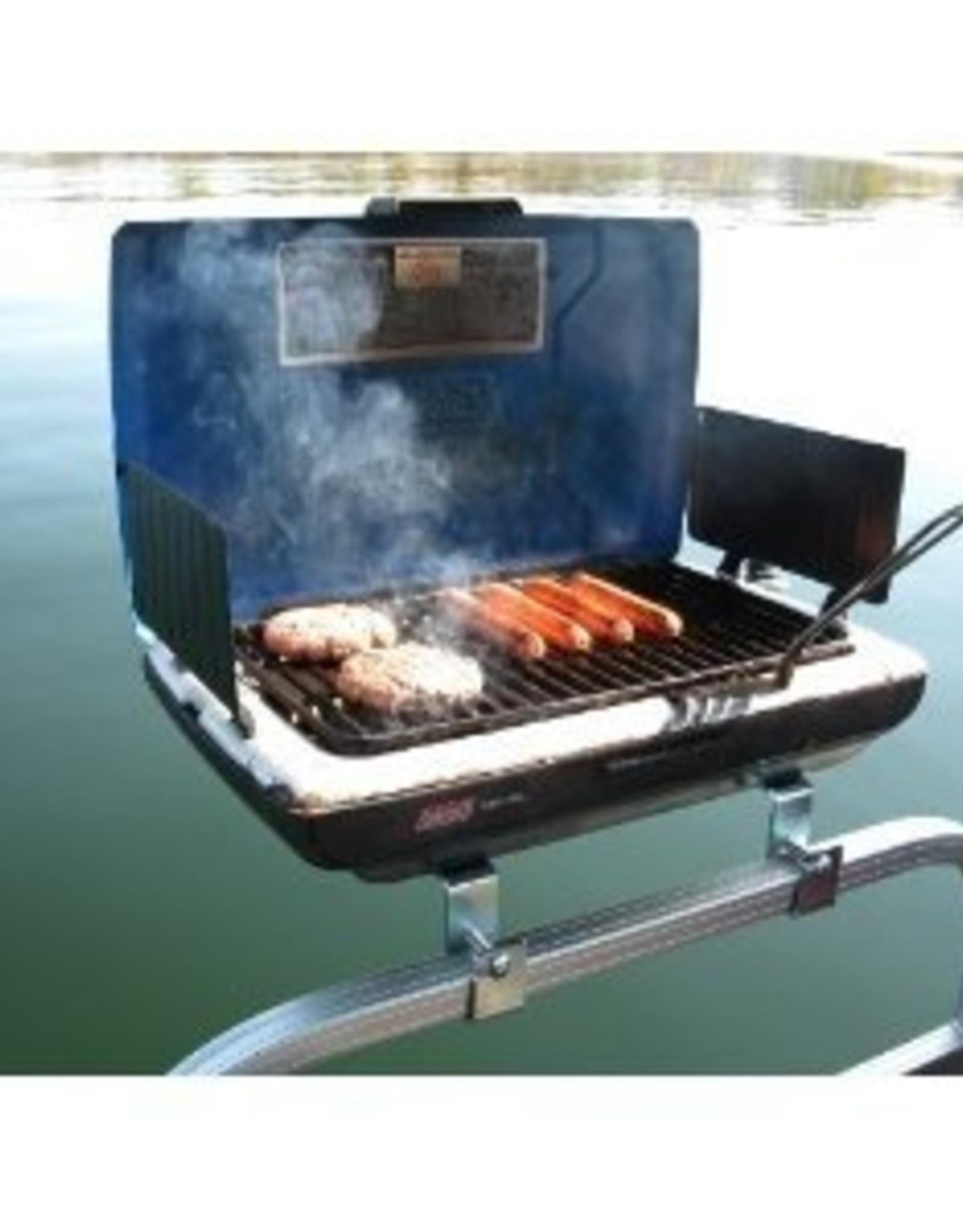Barbecue op de sloep