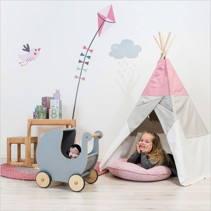 Scandinavian children's room decoration