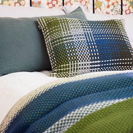 Scandinavian plaids in your bedroom