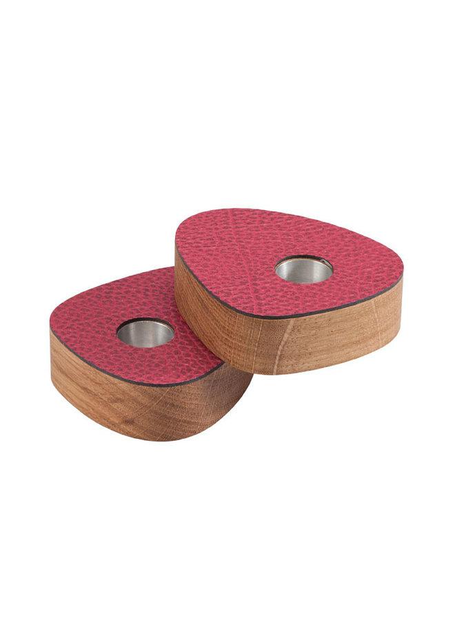 set van twee magnetische eiken kandelaars met aardbei rose/rood leer