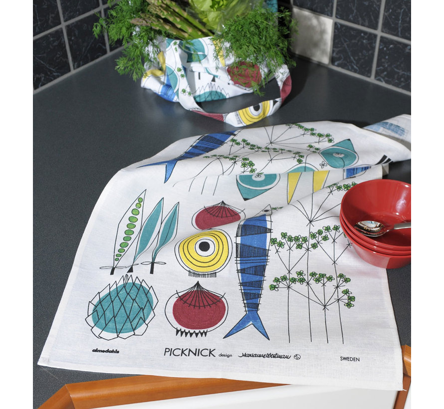 Picnic tea towel with vegetables and fish pattern