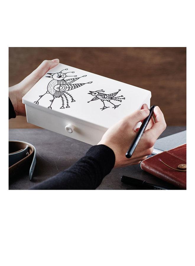 Uhmm box: mokka vouwbare lunchbox die je ook als bord kunt gebruiken. Met bruine strap.